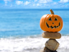 5 ways to decorate your Halloween pumpkin, beach-style